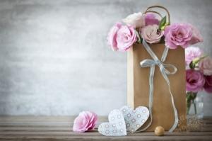 roses and paper bag